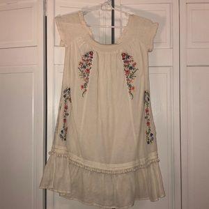 Off the shoulder dress! Beautiful summer dress